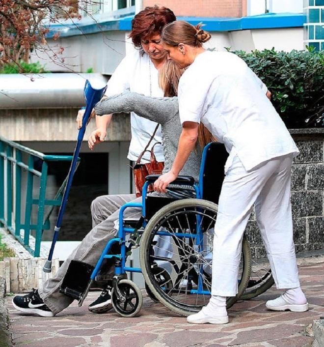 Беатриче Борромео на коляске
